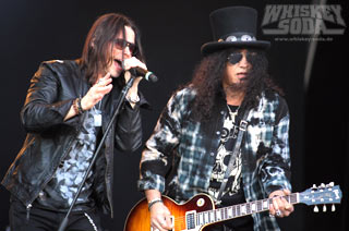 srf2015_t2_05slash.jpg